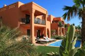 Lovely apartments with stunning pool at Amendoeira Golf Resort