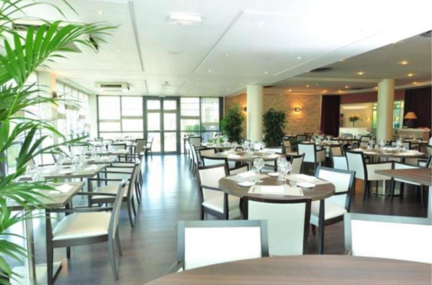 Hotel mercure evreux normandy book a golf holiday or golf break - Restaurant palais des congres ...