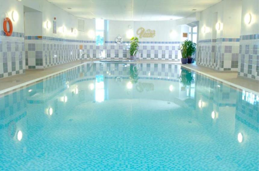 The maldron hotel cork cork book a golf break or golf holiday for Maldron hotel tallaght swimming pool