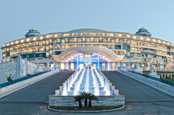 Stunning hotel front at Sueno Hotels Deluxe Belek