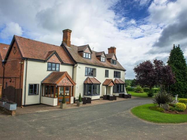 Book a Golf Break - Calderfields Hotel, Golf & Country Club